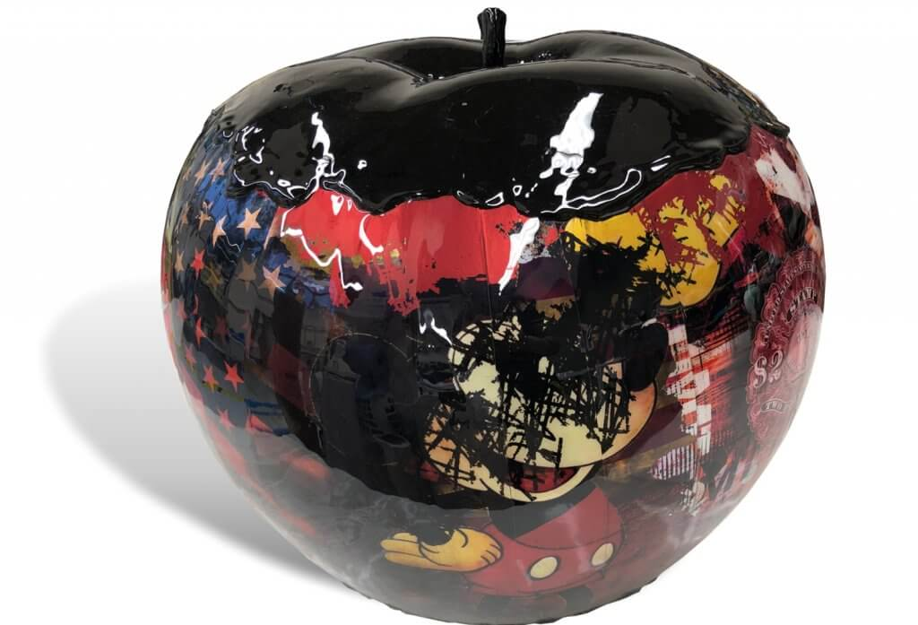 Apple sculpture Mickey black – James Chiew