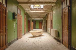 Bathtub – Berrie Leijten