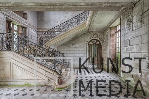 Forgotten stairs – Celina Dorrestein