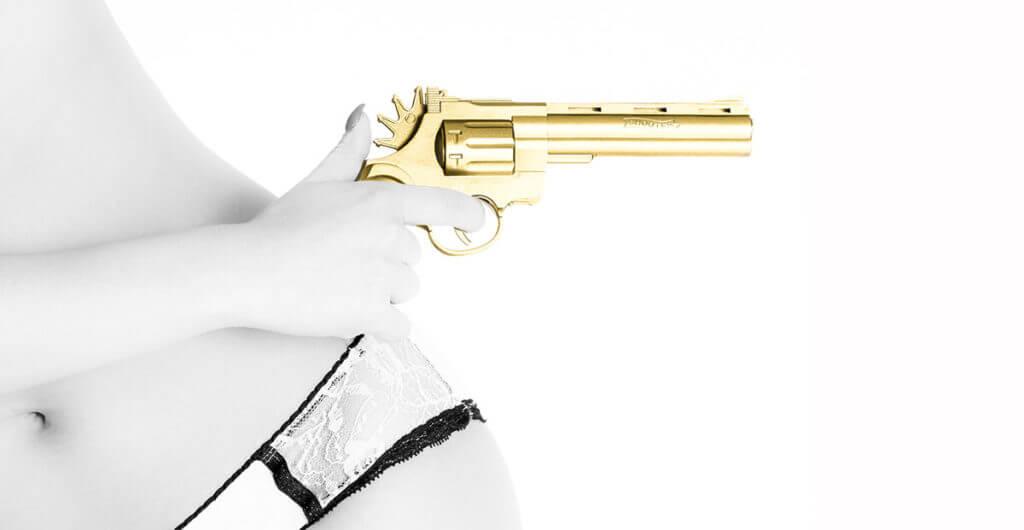 Golden Gun I – Celina Dorrestein
