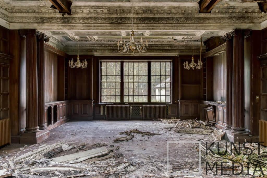Desolate ball – James Kerwin
